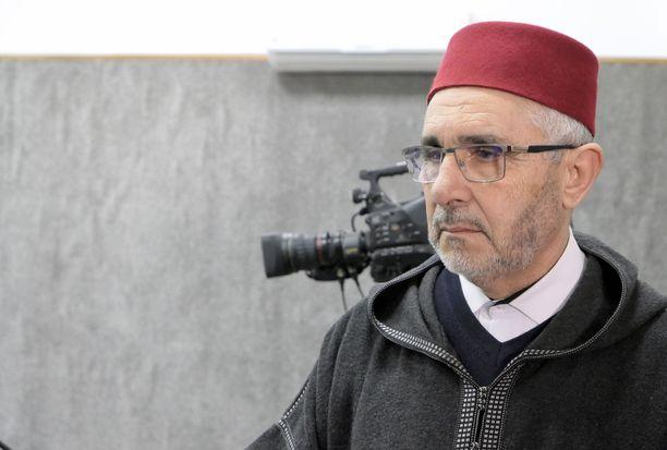 Abdesselam Lazaar on islamilainen uskonoppinut. Hän työskentelee Marokon pääkaupungissa Rabatissa sijaitsevan imaamikoulun rehtorina.