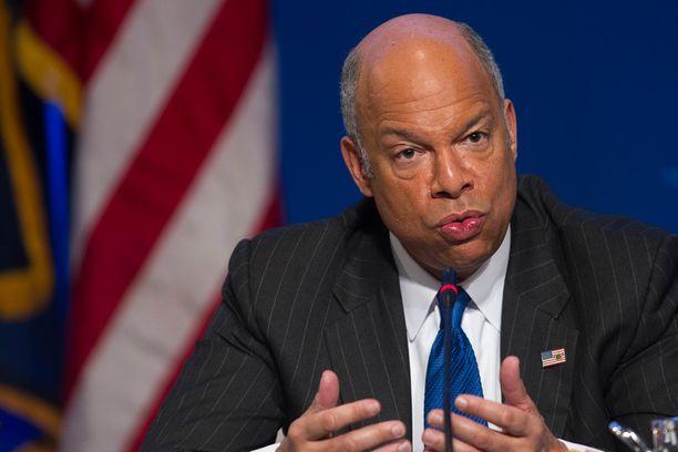 Jeh Johnson kehotti amerikkalaisia olemaan varuillaan, suoran uhan puutteesta huolimatta.