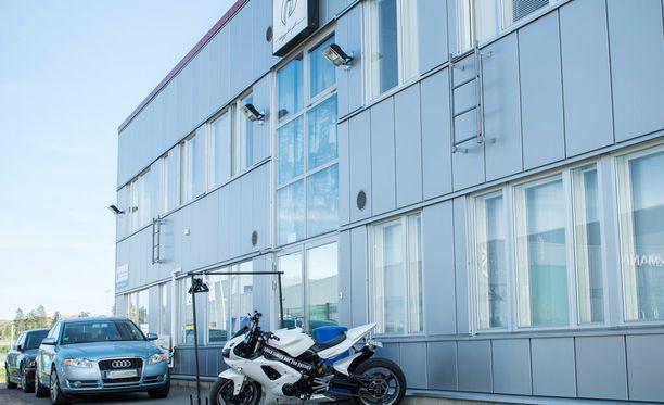 Suomeen hiljattain rantautuneen Ruff Rydersin kerhotilat sijaitsevat tuusulalaisessa teollisuusrakennuksessa.