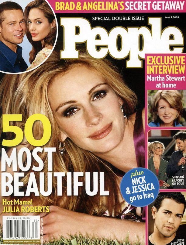 Julia valittiin maailman kauneimmaksi muun muassa vuonna 2005.