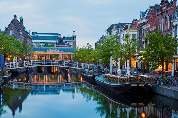Leidenissä virtaa useita kanaaleja.