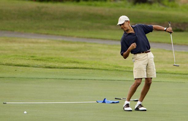 Myös Barack Obama viihtyi runsaasti viheriöllä. Hänen tasoituksensa on hänen omien sanojensa mukaan 13. Trumpin tasoitus on viimeisimmän virallisen tiedon mukaan huikea 2,8. Kuva vuodelta 2009.