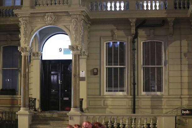 Steelen Orbis Business Intelligence sijaitsee Lontoossa. Steelen bisneskumppani ei myönnä tai vahvista Orbisin olleen muistion takana.