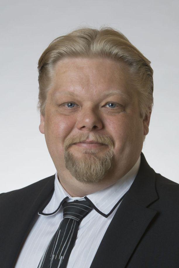 Perussuomalaisten kansanedustaja Jari Ronkainen pahoitti mielensä 16-vuotiaan Tuure Boeliuksen valinnasta vuoden homoksi.