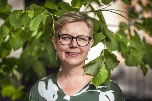 Ympäristöministeri Krista Mikkonen vaatii päätöstä kaivosverosta budjettiriihessä.
