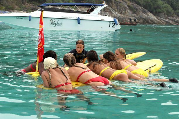 Torstain jakson kilpailuissa naiset joutuvat erilaisiin sukellustehtäviin.