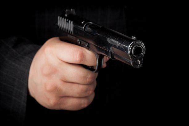 Iso osa haastatelluista oli ollut tilanteissa, joihin liittyi ase.