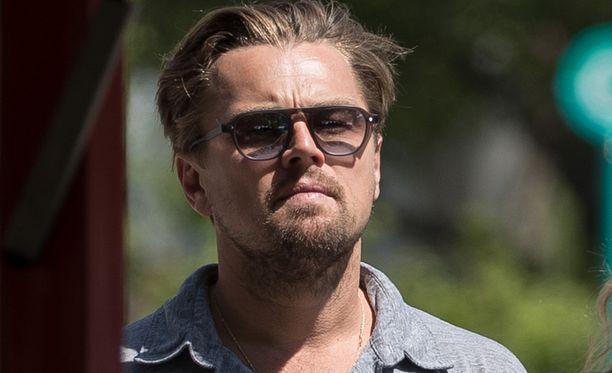 """Leonardo DiCaprio ilahdutti äitiään """"pikku"""" lahjalla."""
