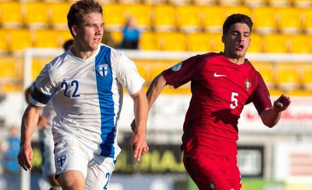 Timo Stavitski on yksi Suomen U19-maajoukkueen suurimmista tähdistä.