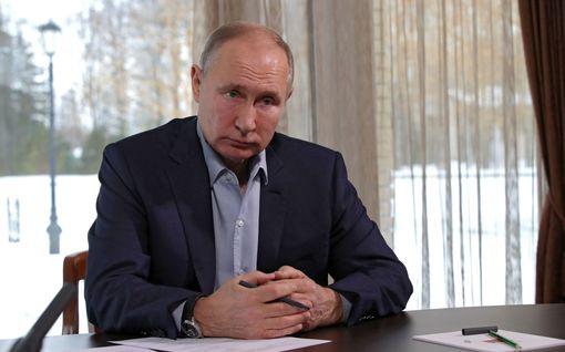 Putin kiistää Navalnyin väitteet: Mustanmeren miljardipalatsi ei ole minun tai perheeni