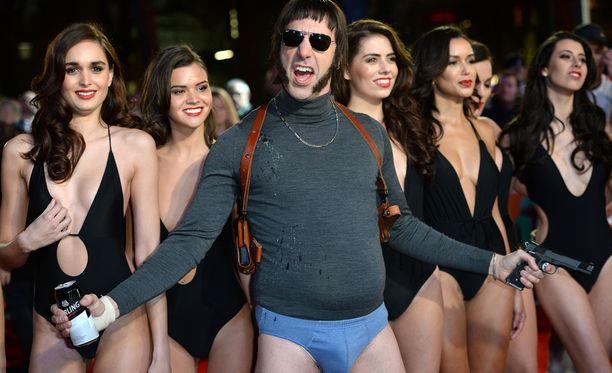 Sacha Baron Cohen juhli Lontoon ensi-iltaa kunnolla.