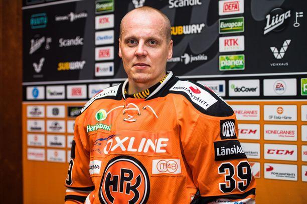 Ville Viitaluoma joutui lopettamaan uransa.