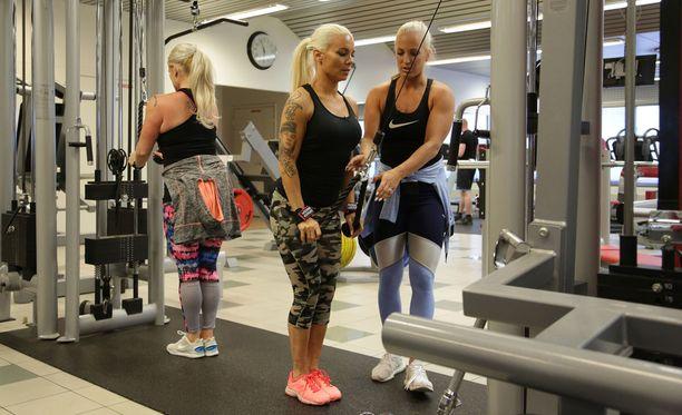 Myös Nannan siskot Pirke ja Karoliina ovat sporttisia.