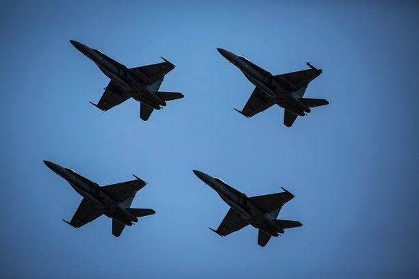 Hornetien korvaajista tehdään lopullinen päätös vuoden 2021 loppuun mennessä.