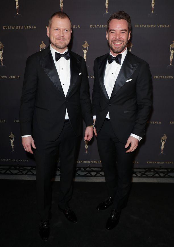 Antti Luusuaniemi ja Mikko Leppilampi näyttelevät molemmat Downshiftaajissa.