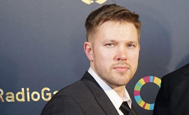 Juha Perälän Englannin-reissuille saatiin selitys.