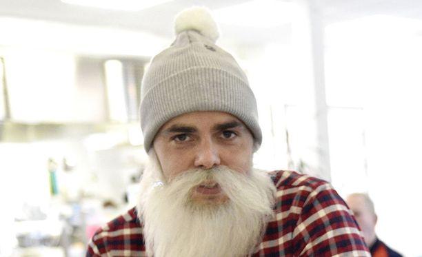 Brother Christmas eli Ari Koponen ei tiedä, mitä kohun jälkeen tapahtuu ja jatkuuko hänen yhdistyksensä toiminta enää.