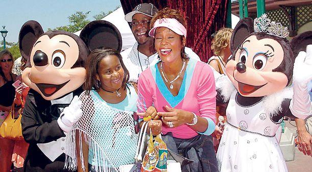 Laulaja hakeutui vuonna 2004 huumevieroitukseen. Laulaja näytti ulkoapäin onnelliselta vieraillessaan Disneylandissa tyttärensä kanssa.