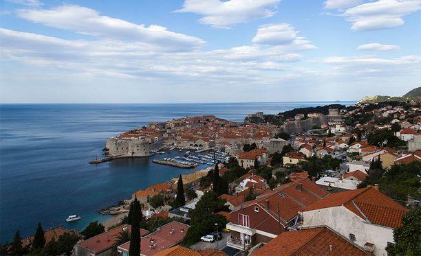 Erinomaisesti säilynyt ja entisöity vanhakaupunki sekä puhdas ja kirkas Välimeri tekevät Dubrovnikista kiinnostavan matkakohteen.
