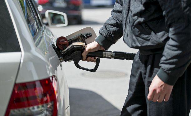 Vantaalainen huoltoasema sai bensavarkaat kuriin Facebook-julkaisuilla.