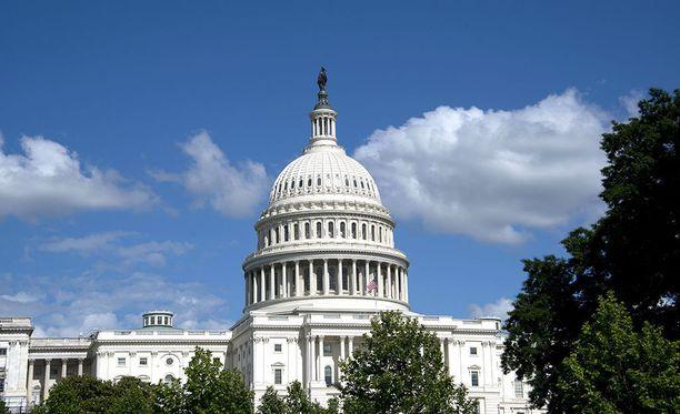 Yhdysvaltain kongressin alahuone, eli edustajainhuone, on hyväksynyt lakipaketin, joka koskee Venäjään, Iraniin ja Pohjois-Koreaan kohdistuvia pakotteita.