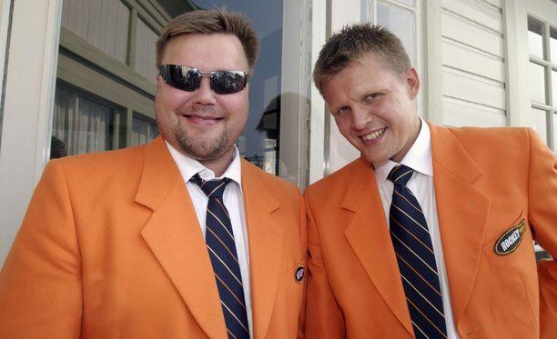Timo Jutila, Mika Saukkonen ja oranssit takit.