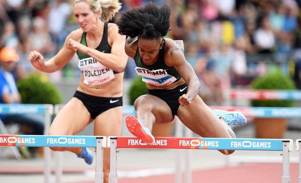 Brianna McNeal voitti sunnuntaina Tukholman Timanttiliigassa naisten pika-aidat.