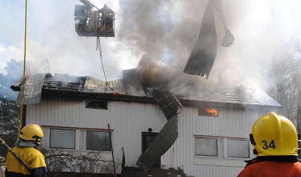 Palo tapahtui Kauhajoen Päntäneenkylällä, Paikallistie 33:ssa maanantaina aamupäivällä.