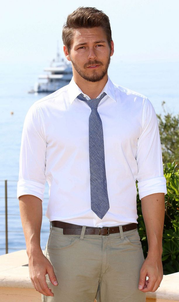 Scott Clifton näyttelee sarjassa Liam Spenceriä.