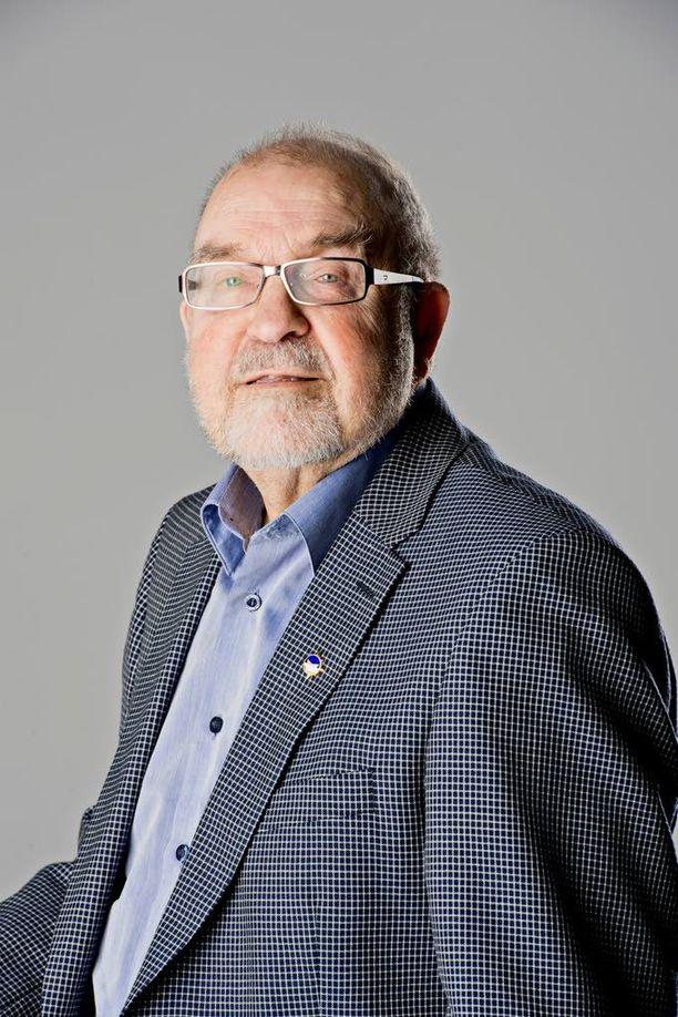 Yrjö Jäntti muistuttaa, että eläkkeet maksetaan työeläkeyhtiöistä.