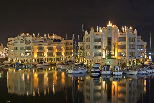 Jari Sillanpään Espanjan-asunto sijaitsee Puerto Marinassa, joka on äänestetty yhdeksi maailman kauneimmaksi satamaksi.