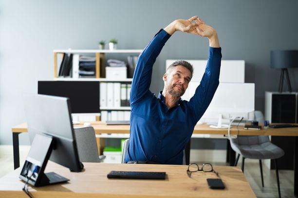 Jumppahetki on mainio idea kesken työpäivän.
