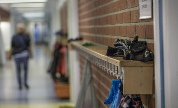 Iltalehti on kertonut Tampereella ilmenneistä koulukuljetusten ongelmista. Kuvituskuva.