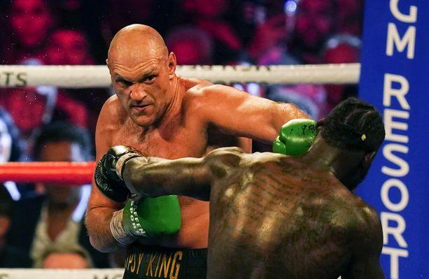 Tyson Fury kaatoi Deontay Wilderin helmikuussa.