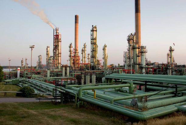 Kemianteollisuuden tuotteet kahmaisivat viime vuonna 23 prosenttia Suomen viennistä.
