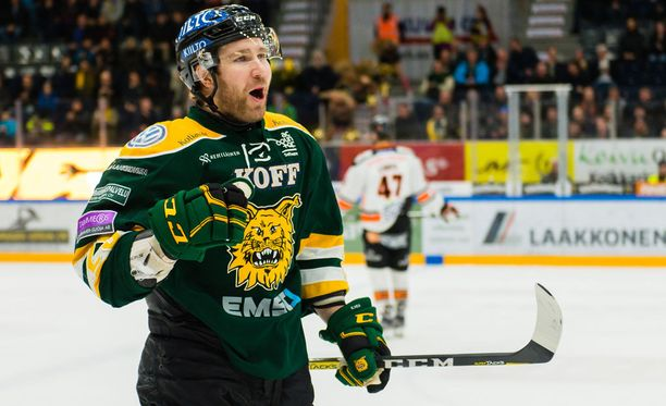 Markku Flinck iski Ilveksen johtomaalin.