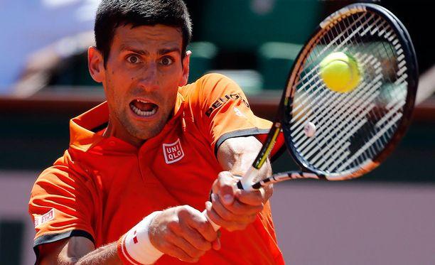 Novak Djokovic raivasi tiensä Roland Garrosin finaaliin.