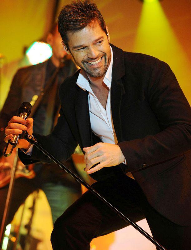 Ricky Martin keikuttaa lanteitaan kesällä Porissa.