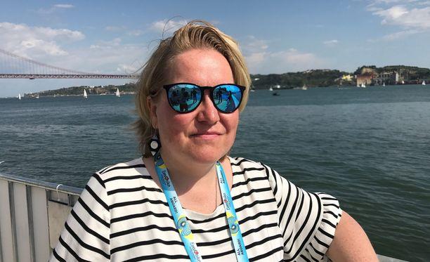 Toimittaja Mari Pudas raportoi Euroviisuista paikan päältä Portugalista.