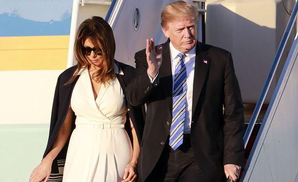 Donald ja Melania Trump saapuivat Floridaan alkuillasta perjantaina.