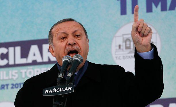 Turkin presidentti Recep Tayyip Erdogan suuttui Saksalle.