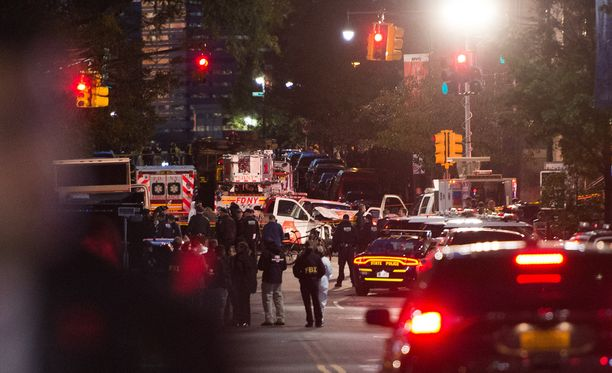 Iskussa kuolleista kuusi oli ulkomaalaisia, kaksi oli amerikkalaisia.