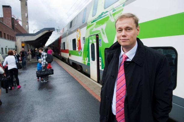 VR:n jättävä Mikael Aro aloitti yhtiön toimitusjohtajana heinäkuussa 2009. Aro on tienannut seitsemässä vuodessa 4,5 miljoonaa euroa.