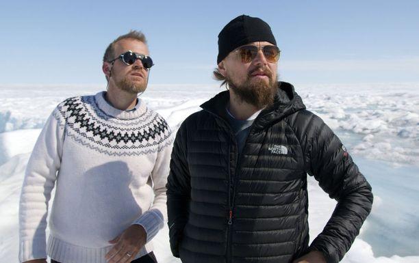 Illan dokumentissa Jason E. Box näyttää Leonardo DiCapriolle konkreettisia esimerkkejä ilmastonmuutoksesta Grönlannissa.