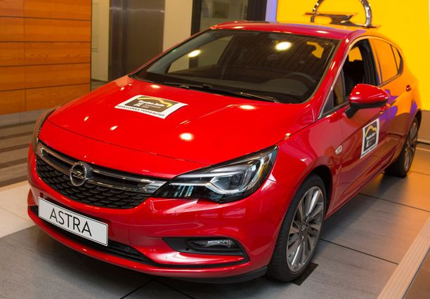 IL Vuoden Auto 2016 on Opel Astra.
