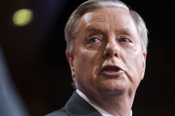 Trumpin läheisimpiin liittolaisiin senaatissa kuuluva Lindsey Graham on täysin eri mieltä USA:n joukkojen vetämisestä pois Syyriasta.