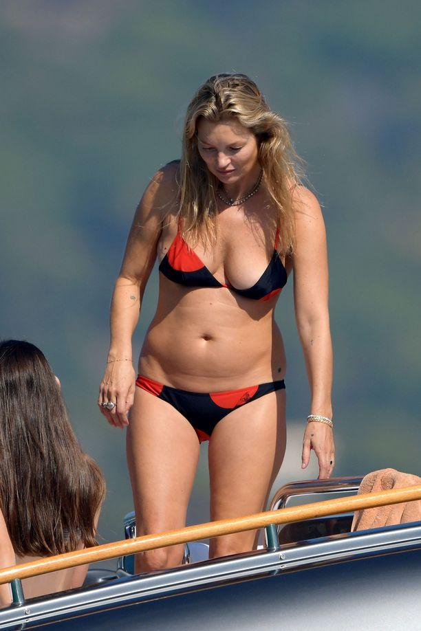 Kate Moss on jo kuukausien ajan elänyt aiempaa terveellisempää elämää.