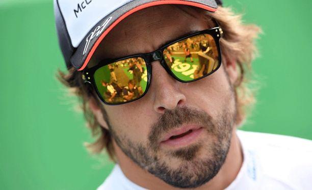 Fernando Alonso tykitti McLaren-urallaan ensimmäisen kerran kisan nopeimman kierroksen.