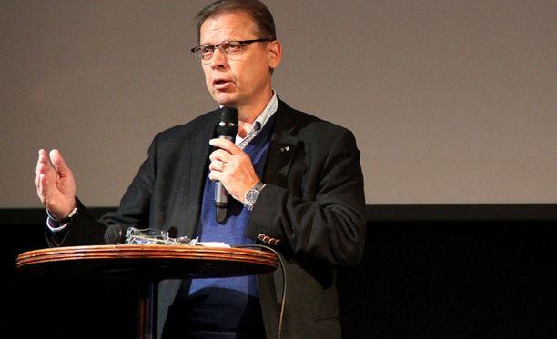 SAK:n puheenjohtaja Lauri Lylyn mukaan SAK kertoo päätöksestään yhteiskuntasopimuksen suhteen huomenna.