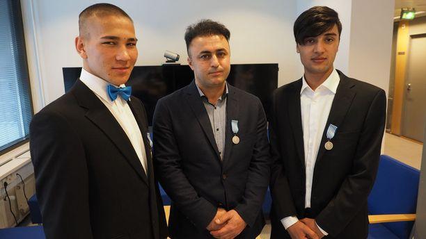 Ali Sina Heidari, Nouraddin Gajin Masoumi ja Esmatollah Rezai olivat kaikki hyvin yllättyneitä siitä, että heille myönnettiin hengenpelastusmitali.